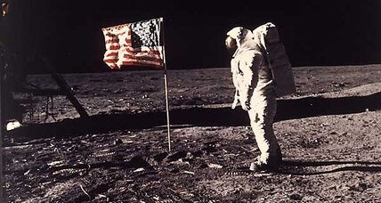 RIP Neil Armstrong: Memorial marks one-year anniversary of his death