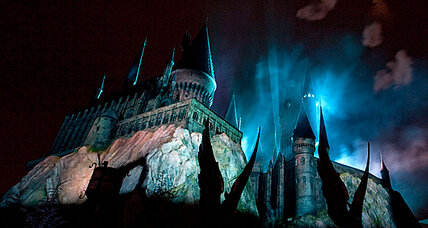 Taking page from Disney, Comcast revs up Orlando theme park business (+video)