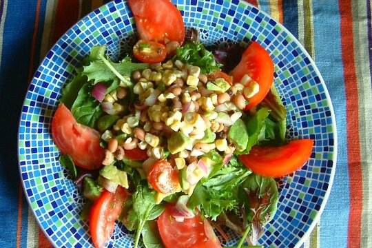 22 summer salads - Tomato-avocado-black eyed pea salad - CSMonitor.com