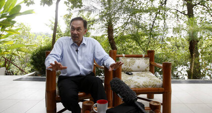 After sodomy acquittal, Malaysia's Anwar pressing for power