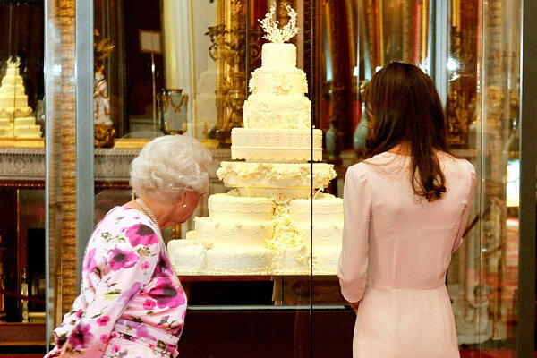prince william and princess kate wedding cake kate middleton celebrates 30th after gala premiere 18786