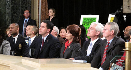 Gov. Scott Walker vs. unions: Wisconsin set to count recall petitions (+video)