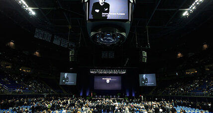 Joe Paterno: Nike's Phil Knight defends Penn State coach at memorial