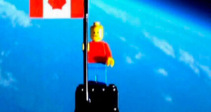 Canadian teenagers launch Lego man to the stars (+video)