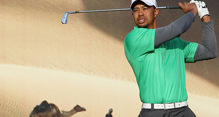Tiger Woods struggles on greens at Abu Dhabi Championship