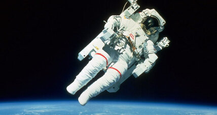 NASA: Record number of astronaut applicants, but no spaceships
