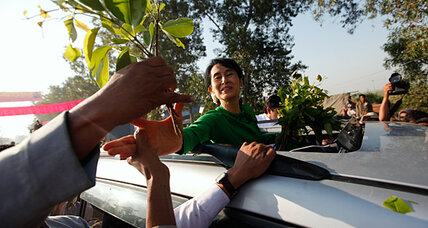 Aung San Suu Kyi hits the campaign trail in Myanmar