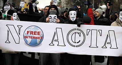 More than 30,000 Germans turn out against anti-piracy treaty ACTA