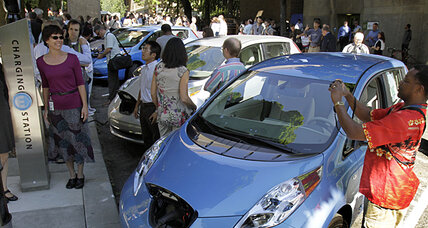 Electric cars: 'Plug-ins' look for spark in 2012