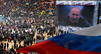 Pro-Putin rally in Moscow brings out lots of people, little enthusiasm (+video)
