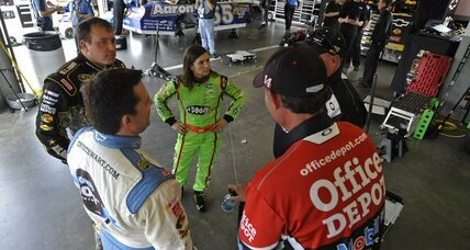 Daytona 500: Tony Stewart and Matt Kenseth win qualifying races