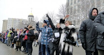 Russians form miles-long human chain for democracy