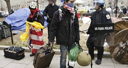 Police clear tents from Occupy site in Washington