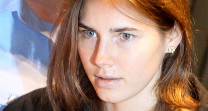 Amanda Knox signs book deal