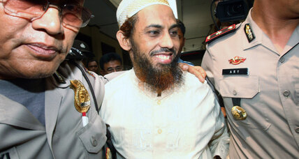 Bali nightclub bombings suspect stands trial