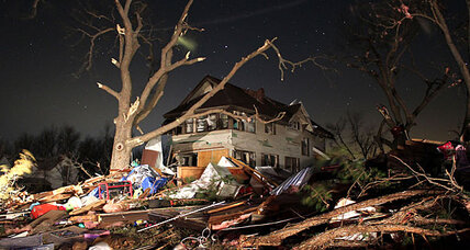 Deadly tornadoes hit Branson, Mo., Illinois, and Kansas (+video)