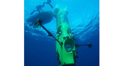 Filmmaker James Cameron to plunge to deepest spot in ocean