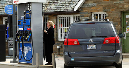 Obama strikes back at Republicans on high gas prices