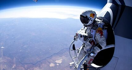 Sky diver, after free-falling 13 miles, sets sights on record 23-mile jump