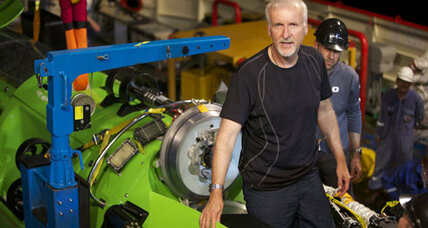 'Titanic' director James Cameron dives to Earth's deepest spot