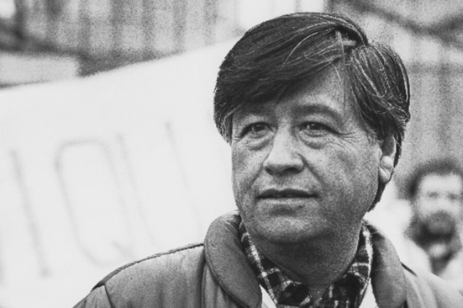 a biography of cesar estrada chavez the president of united farm workers