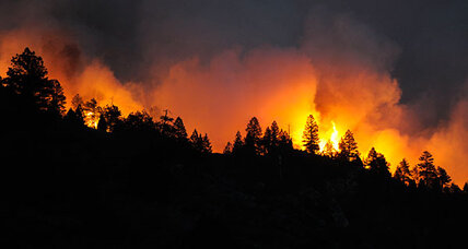 Colorado wildfire: 900 homes evacuated, and one fatality