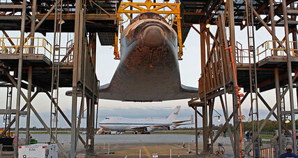 Astronauts bid farewell to Space Shuttle Discovery