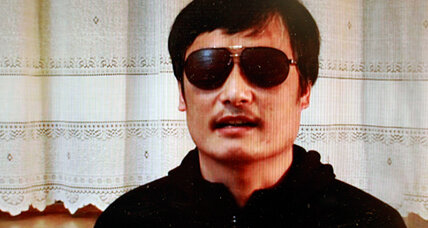 Blind Chinese legal activist escapes house arrest