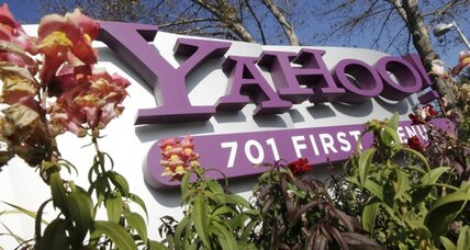 New Yahoo CEO Scott Thompson cuts 2,000 jobs