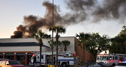 Florida plane crash at Publix: Five injured, no fatalities (+video)