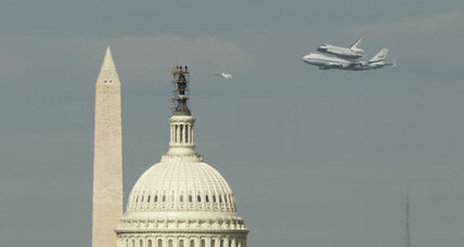 Look! Up in the sky! It's Space Shuttle Discovery. (+video)