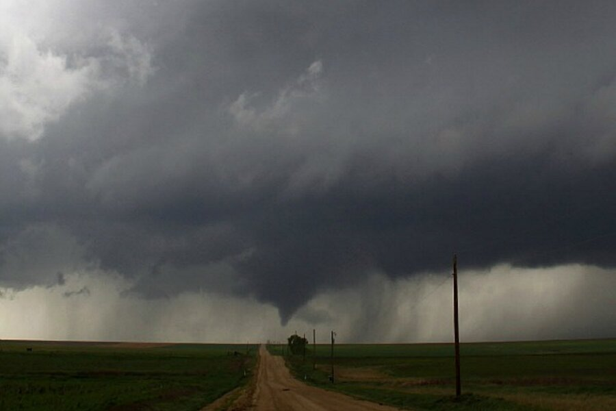 midwest tornadoes pose severe threat across hundreds of