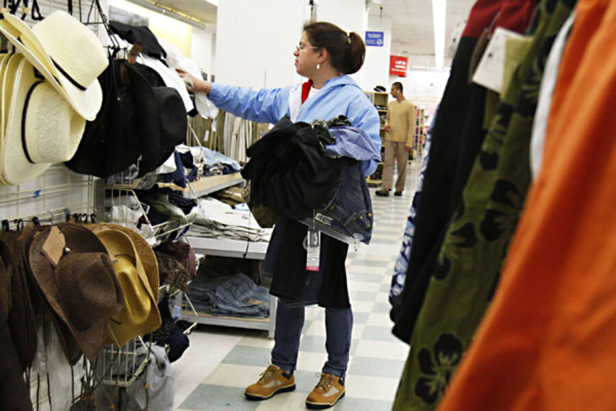 d932e66d411 23 ways to save money on clothes - CSMonitor.com