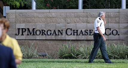 JP Morgan chief apologizes for $2 billion loss