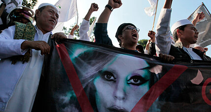 Lady Gaga's cancelled concert a blow to tolerance in Indonesia? (+video)