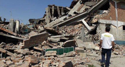 Powerful Italy quake leaves at least 15 dead