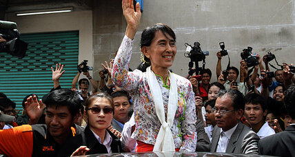 Aung San Suu Kyi's 'test run' outside of Myanmar (+video)