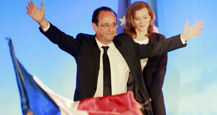 Hollande wins French presidency, signals revisit of austerity (+video)