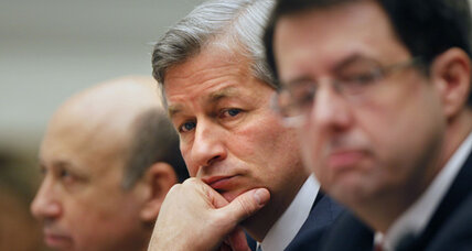 JPMorgan Chase's Dimon survives pay, chairmanship votes (+video)
