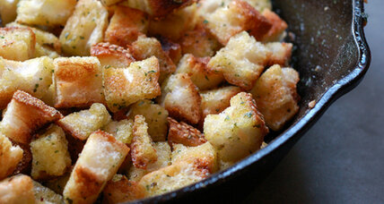 How to make garlic and herb skillet croutons