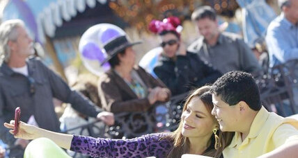 Sofia Vergara and 'Modern Family' cast go to Disneyland