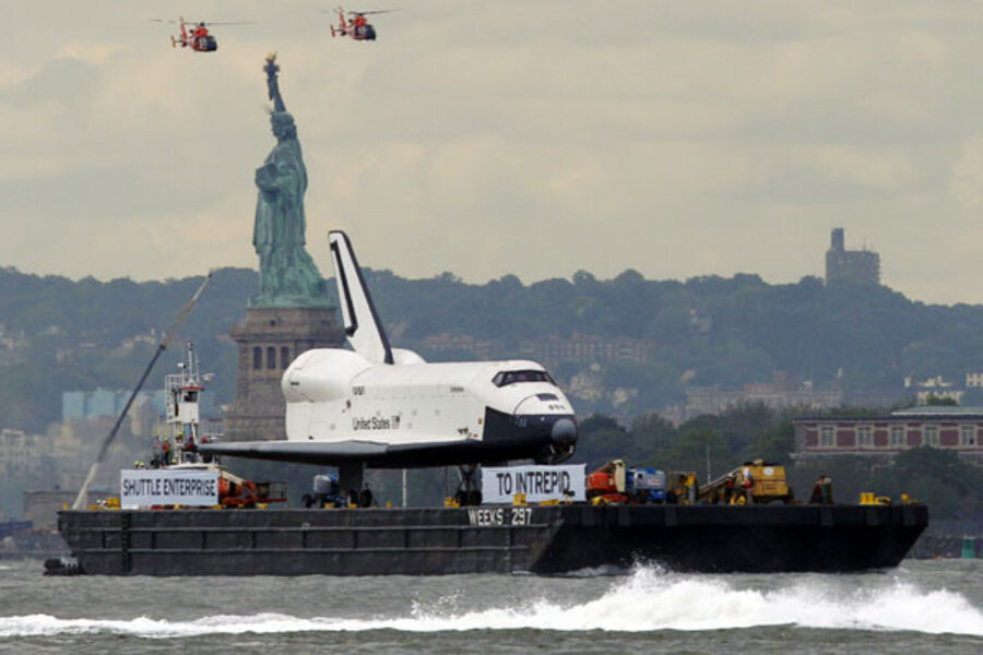 Space shuttle Enterprise arrives at New York's Intrepid ...