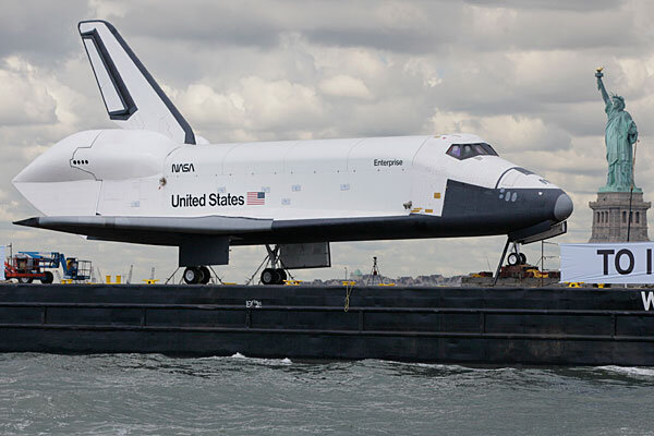 Space Shuttle Enterprise sails to New York - CSMonitor.com