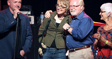 GOP bid for Giffords's seat to focus on Obama (+video)