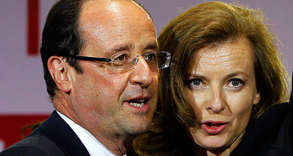 French first lady tweet makes headlines for slighting Hollande's ex (+video)