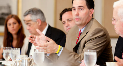 Gov. Scott Walker to Mitt Romney: Channel your inner Ronald Reagan (+video)