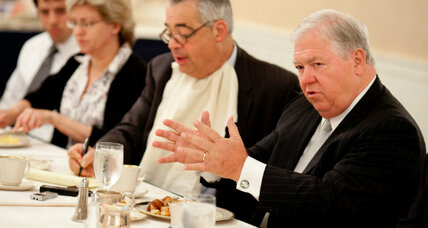Haley Barbour chides Mitt Romney on immigration stance