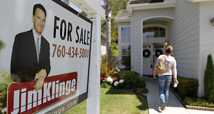 30-year mortgage rate falls to record 3.66 percent