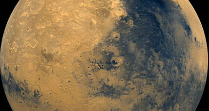 Does Mars' interior hold huge reservoirs of water? Martian meteorites say yes. (+video)
