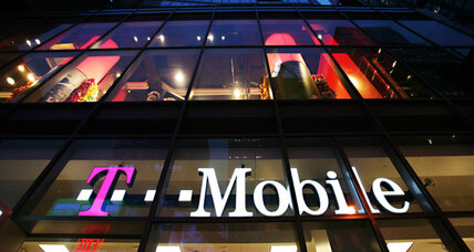 T-Mobile CEO quits amid falling revenues